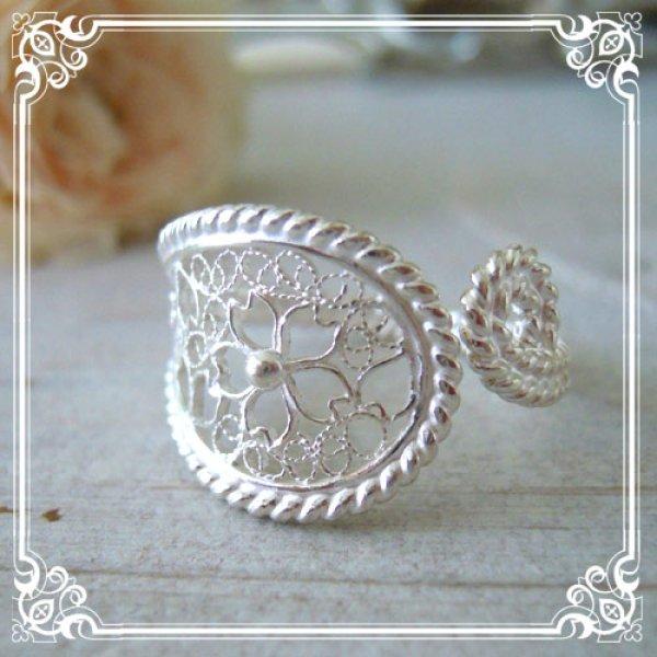 画像1: 【桜・サクラ】繊細な桜の透かし細工を前面に施した大ぶりで華奢な桜模様のフリーサイズリング・silver925
