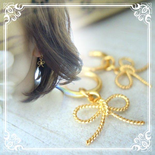 画像1: シンプルで軽やかな印象のリボンのチャームのイヤリング用チャーム・ピアス用チャーム【ニッケルフリー】【金属アレルギー】付替えチャームで耳元のおしゃれを楽しめる。