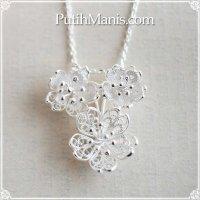 桜3輪チャーム|サクラの花束を銀線細工で表現したネックレス用シルバーペンダントトップ【silver925】