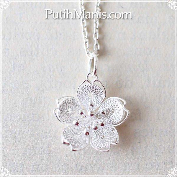画像1: 桜のシルバーチャーム(M)|銀線細工の銀線を密に詰めたタイトタイプ・ネックレス用ペンダントトップ【silver925】