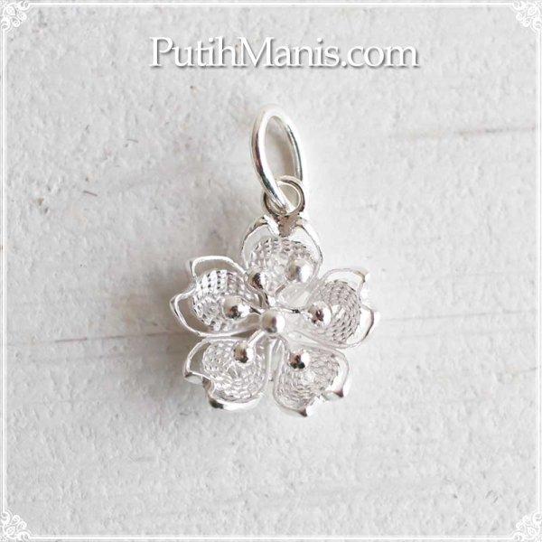 画像1: 桜のシルバーチャーム(S)|銀線細工の銀線を密に詰めたタイトタイプ・ネックレス用ペンダントトップ【silver925】