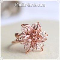 ジャスミンのお花のリング|銀線細工の花びらが美しい。フリーサイズリング【金属アレルギーの方に配慮したニッケルフリー加工】