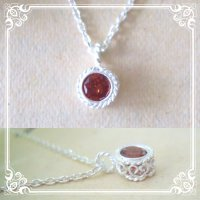 ガーネットのシルバーネックレス|1月誕生石の天然ガーネットの深い赤の石を銀線細工で包んだネックレス【silver925】