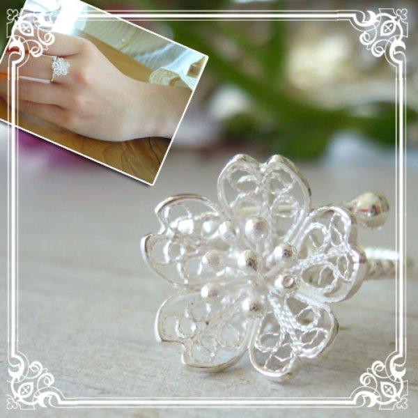 画像1: 桜の花がワンポイントになるフリーサイズリング|サクラ・SAKURAの花を銀線細工・フィリグリーで表現したチャーム【silver925】