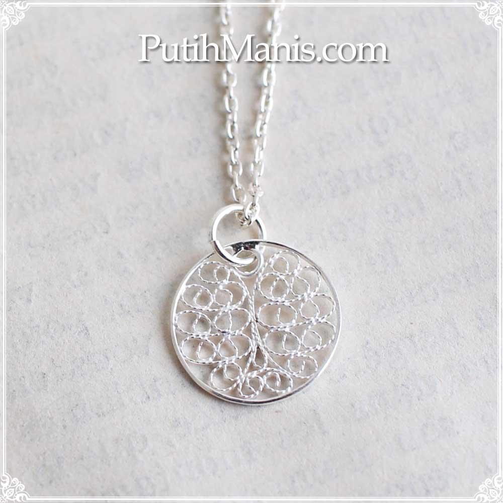 ネックレス, Necklace, 円, 丸, circle, 銀線細工, circle, charm, filigree, レース, 透かし